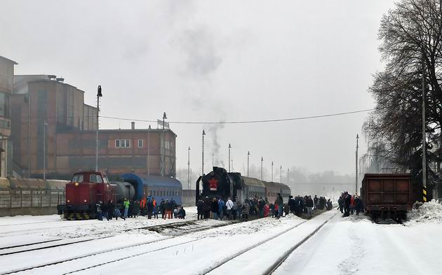 Po�iarny a parný vlak v Handlovej. © Marián Rajnoha