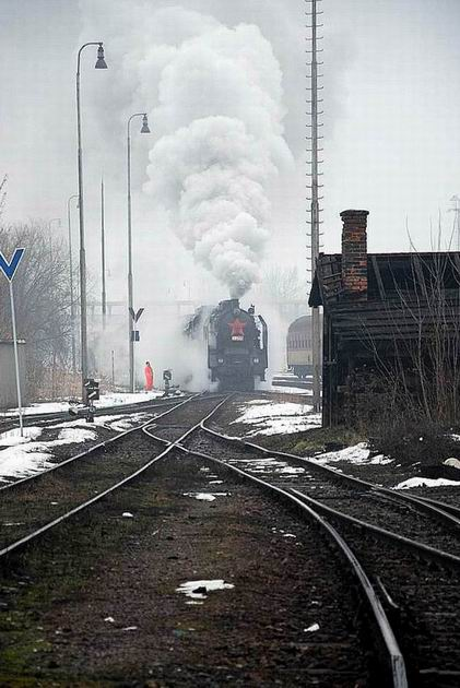 464.001 posunuje do �ST Prievidza.