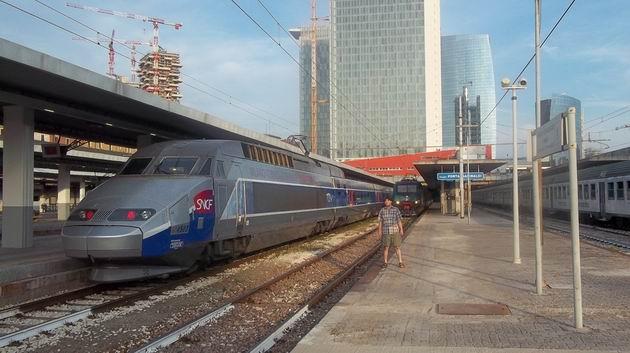 Milano: vysokorychlostní jednotka TGV právě přijela z Paříže na nádraží Porta Garibaldi. 16.8.2012 © Jan Přikryl