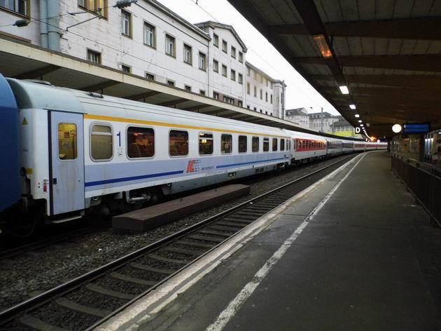 Souprava vlaku EN 436 Jan Kiepura stojí ve stanici Wuppertal Hbf. 14.4.2013 © Jan Přikryl
