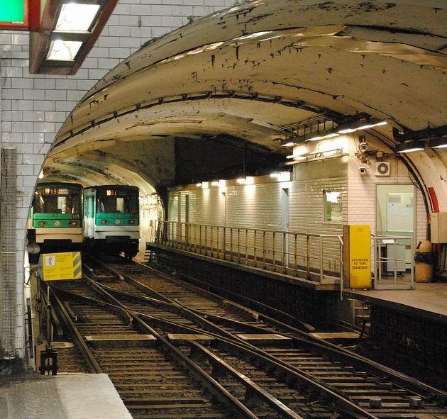 Paříž: odstavné koleje pro linku 10 za stanicí Gare d´Austerlitz. 14.4.2013 © Lukáš Uhlíř
