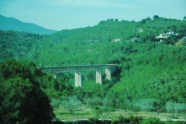 Viadukt u stanice Ferrandet na trati z Benidormu do Dénie. 16.4.2013 © Lukáš Uhlíř
