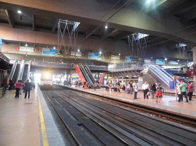 Madrid: celkový pohled na podzemní část nádraží Atocha, určenou pro širokorozchodné vlaky, zejména v rámci systému cercanías. 17.4.2013 © Jan Přikryl