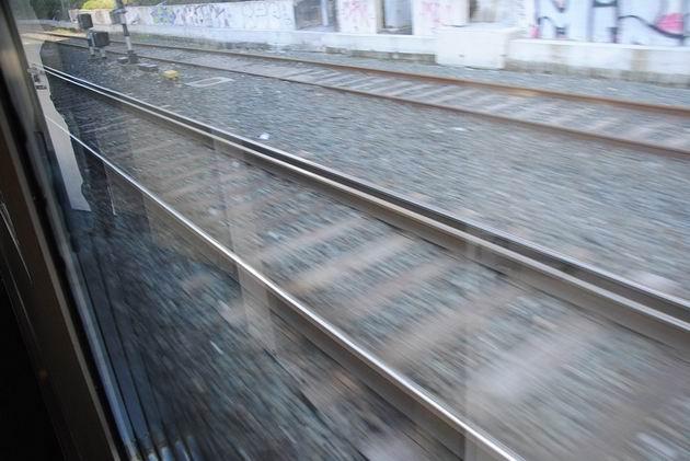 Tříkolejnicová splítka normálního a iberského rozchodu demonstruje velmi malý faktický rozdíl. 23.4.2013 © Lukáš Uhlíř