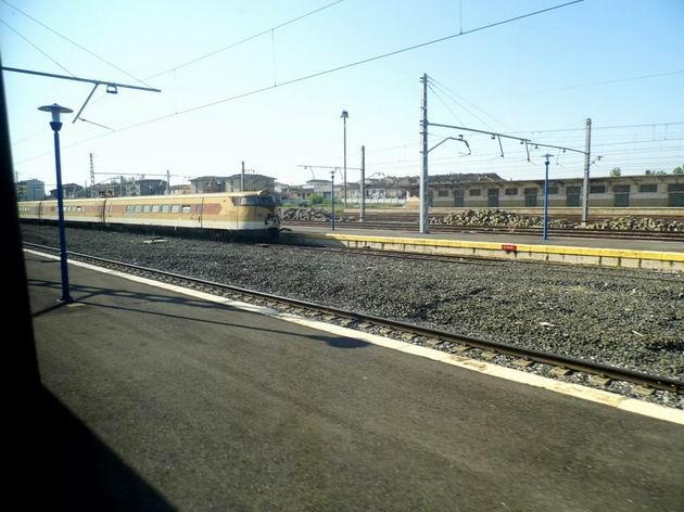 Pendolíno řady 443 RENFE stojí odstavené ve stanici Castejón de Ebro. 24.4.2013 © Jan Přikryl