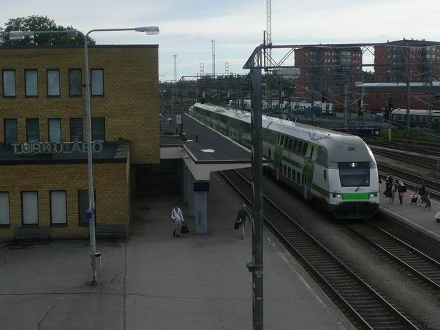 Turku: vlak IC2 do Helsinek přijel z přístavu © Tomáš Kraus, 12.6.2014