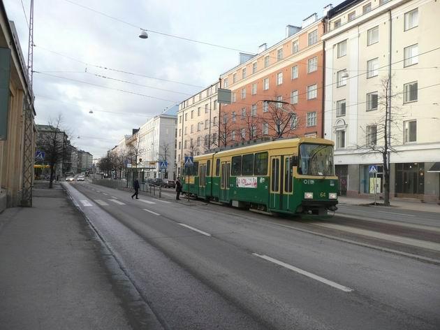 Helsinki: tramvaj Valmet NRV u vozovny Töölö © Tomáš Kraus, 21.3.2012